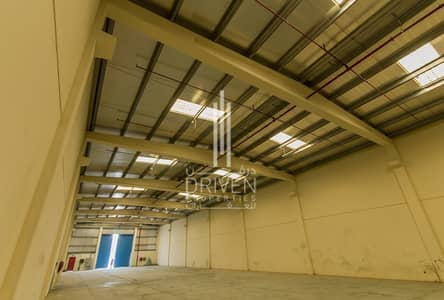 Warehouse 5 units for rent in DIC.