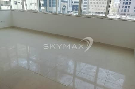 3 Bedroom Apartment for Rent in Hamdan Street, Abu Dhabi - Hot Offer Brand new! 3BHK + Maidroom + Parking in Hamdan