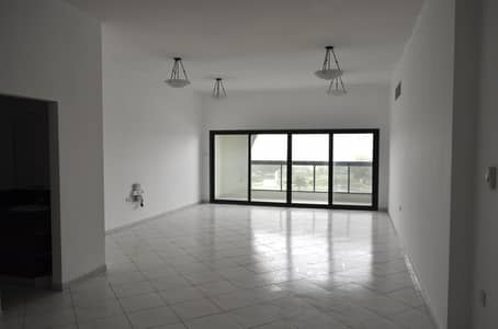 شقة 2 غرفة نوم للايجار في كورنيش البحيرة ، الشارقة - 2BHK family apartment with discount offer
