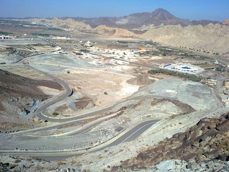 قسط ارضك في امارة عجمان منطقه مصفوت السياحيه علي 50 شهر من المطور مباشرة