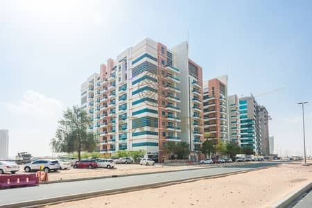 2 Bedroom Apartment for Rent in Dubai Residence Complex, Dubai - Large 2BR for Rent in Durar 1 - AED 60