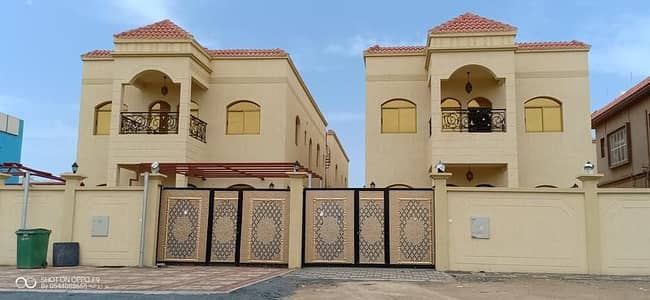 5 Bedroom Villa for Sale in Al Zahraa, Ajman - For sale a freehold villa for all nationalities in Ajman a wonderful and very lively site