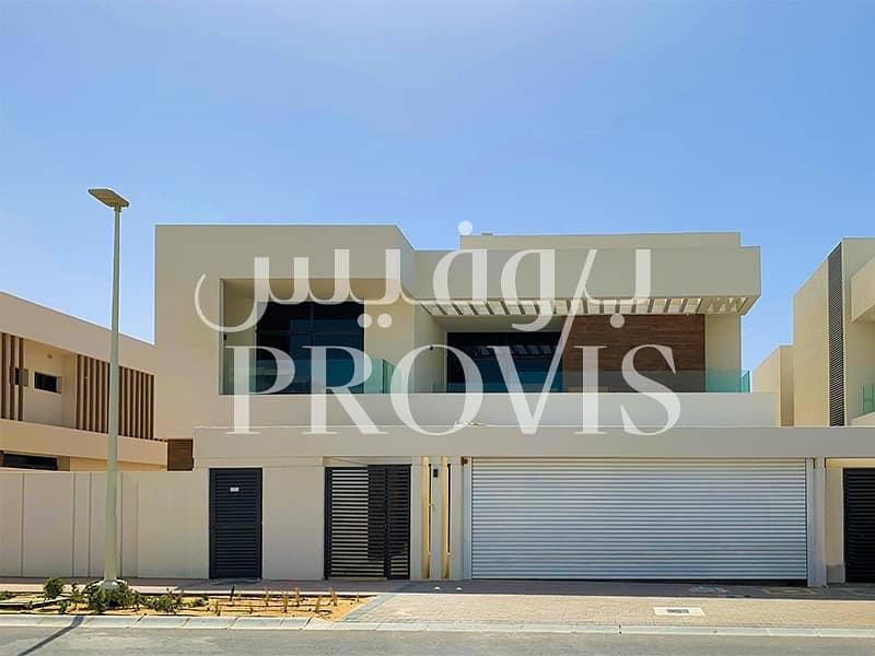 5 BR Villa for Sale in West Yas ! Zero Commission