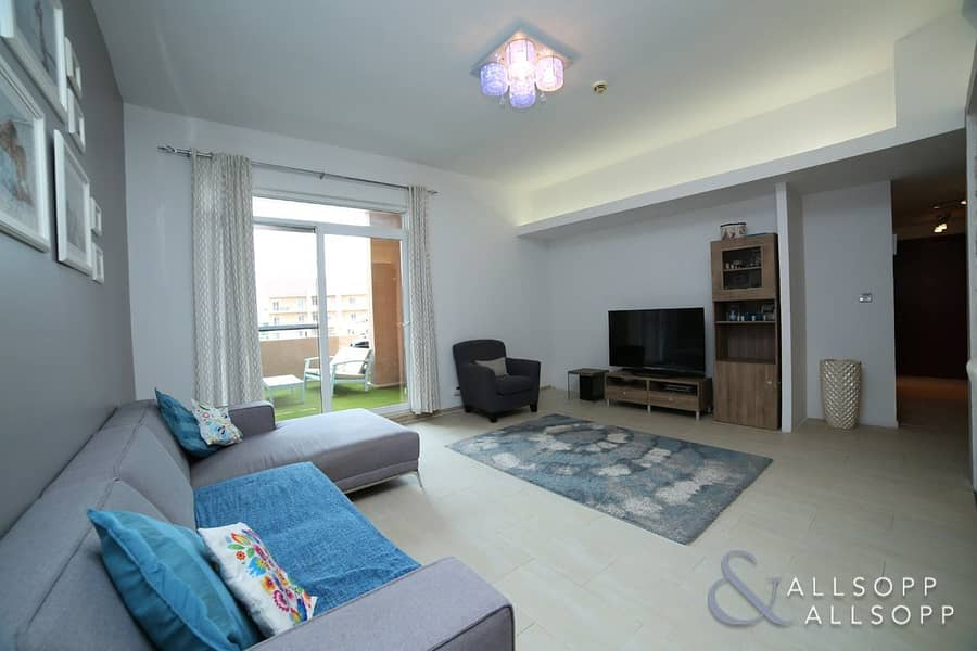 Upgraded 2 Bedroom | Vacant On Transfer