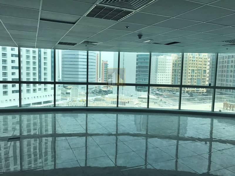 Middle Floor Vacant Fitted Office in Smart Heights