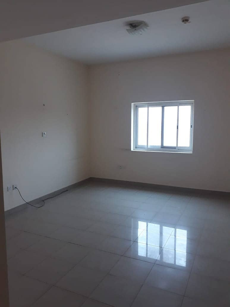 CHEAPEST LARGE 2 BEDROOM+CLOSED KITCHEN RENT PHASE 2. FAMILY BUILDING 100%