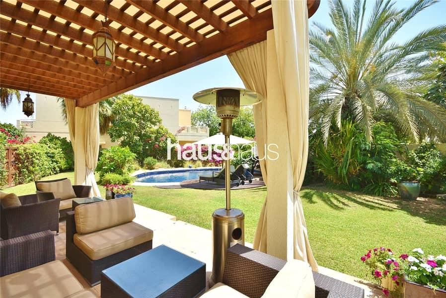 2 Huge Garden | Stunning Villa | Private Pool