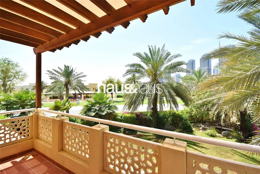 10 Huge Garden | Stunning Villa | Private Pool