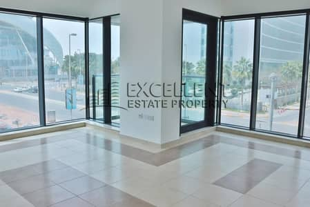 3 Bedroom Flat for Rent in Al Khalidiyah, Abu Dhabi - Brand New 3 Bedroom Apartment with Parking, Sea View
