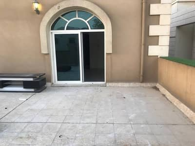 1 Bedroom Flat for Rent in Al Mushrif, Abu Dhabi - 1 bedroom apartment with private terrace/NO COMMISSION/Tawtheeq