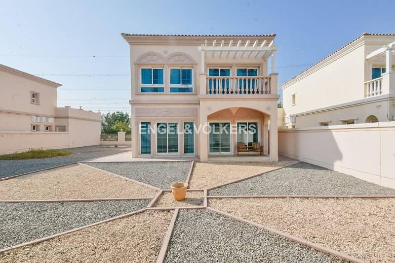 Mediterranean Villa   Vacant on transfer