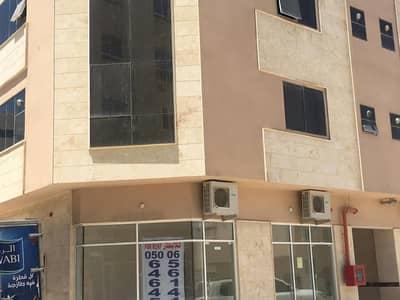 محل تجارى منطقة المصلى الشارقة للايجار على 6 شيكات