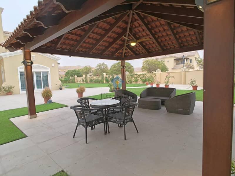 10 Corner 5 BR Villa | Upgraded | Furnished