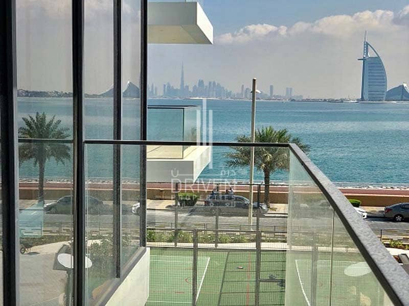 10 Brand New 1Bed Unit | Excellent Location