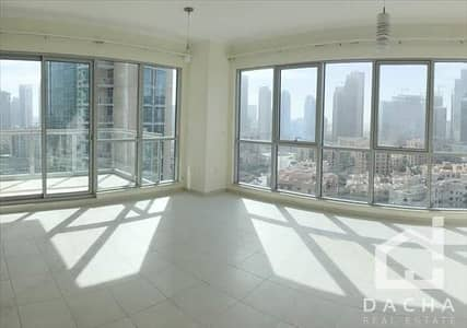 2 Bedroom Apartment for Rent in Downtown Dubai, Dubai - BRIGHT AND SPACIOUS! 2BED BLVD VIEW AC FREE