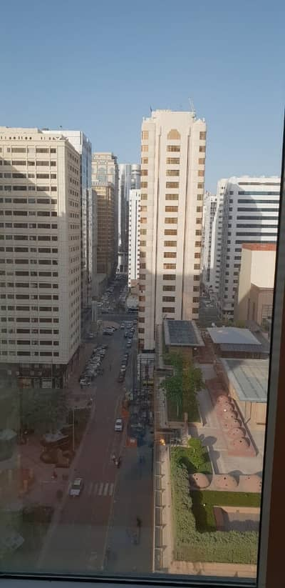 3 Bedroom Flat for Rent in Corniche Area, Abu Dhabi - Fully Renovated 3 Bedroom Apartment in a very well maintained builidng in corniche area - AED 90 K