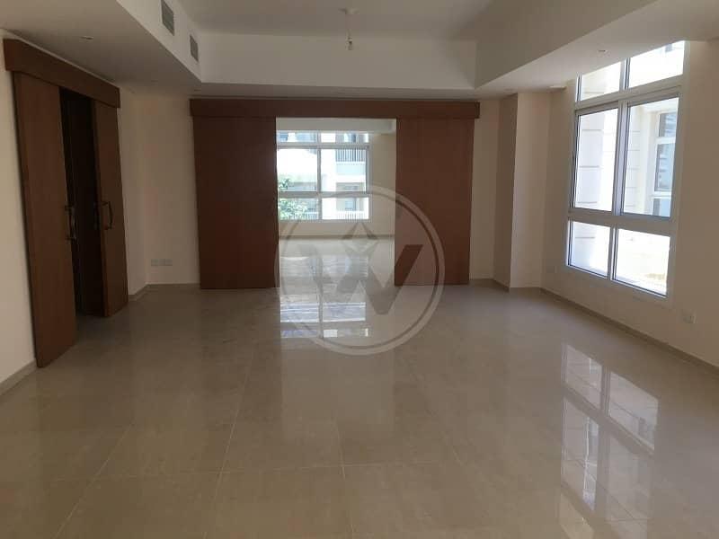 Semi detached 4 bedroom villa | Brand new!