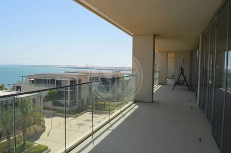4 Bedroom Penthouse for Rent in Al Raha Beach, Abu Dhabi - Amazing sea views!|Impeccable penthouse
