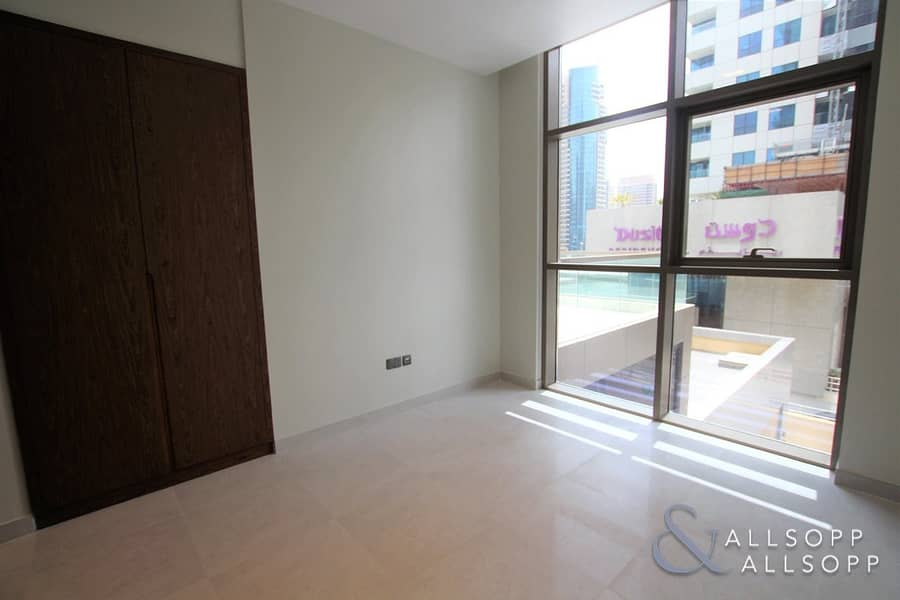 10 Brand New Tower   Low Floor   Large Terrace