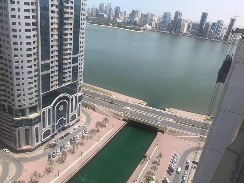 فرصة شقة  لشارقة فى برج نجمة القناة القصباء اطلالة امامية