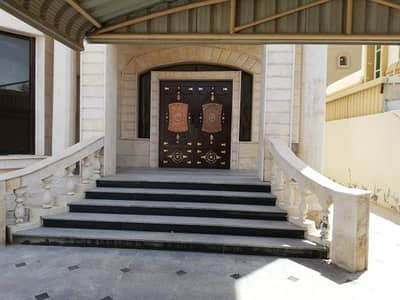 villa for rent near Shaikh hammer rode very location and very good prices