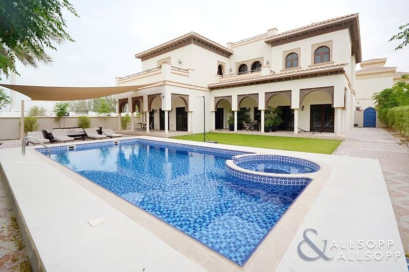 Granada Villa | 5 Bedrooms | Private Pool