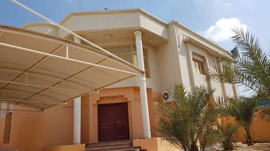 For rent a luxury villa in   Azzra area - sharjah Near Park. . .
