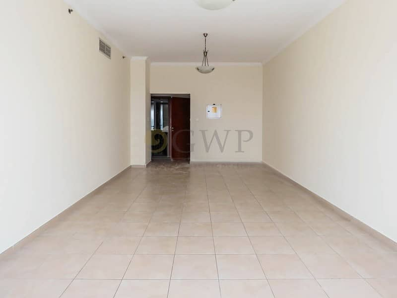 2 LARGE  and Lovely 2 bed VACANT for immediate Sale