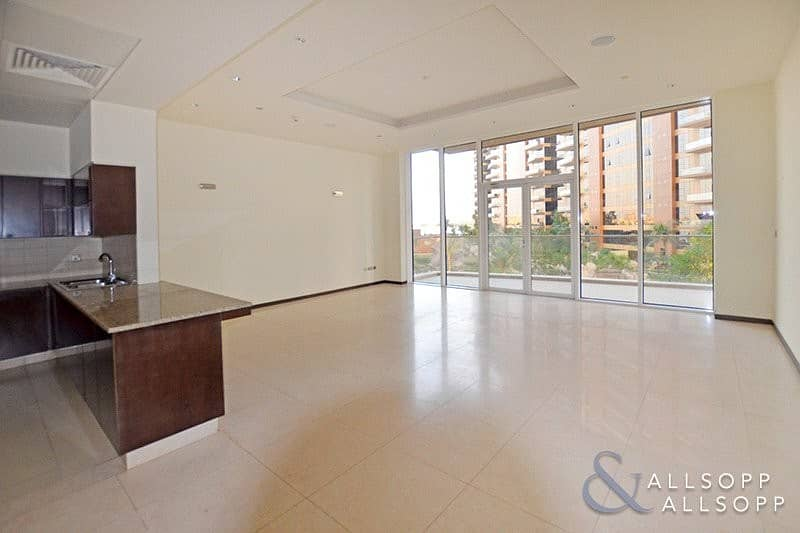 2 New Price | 1 Bed | Beach Access | Vacant