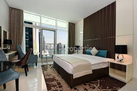 استوديو  للايجار في الخليج التجاري، دبي - Stunning Studio High Floor w/ Lake View