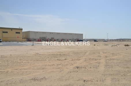Plot for Sale in Nad Al Hamar, Dubai - Showroom Warehouse Factory   All-IN-ONE