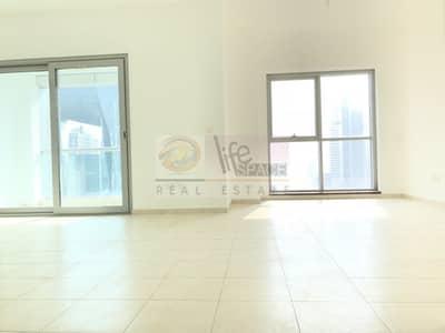 شقة 2 غرفة نوم للبيع في الخليج التجاري، دبي - Vacant:3Br With Store And Laundry Rooms
