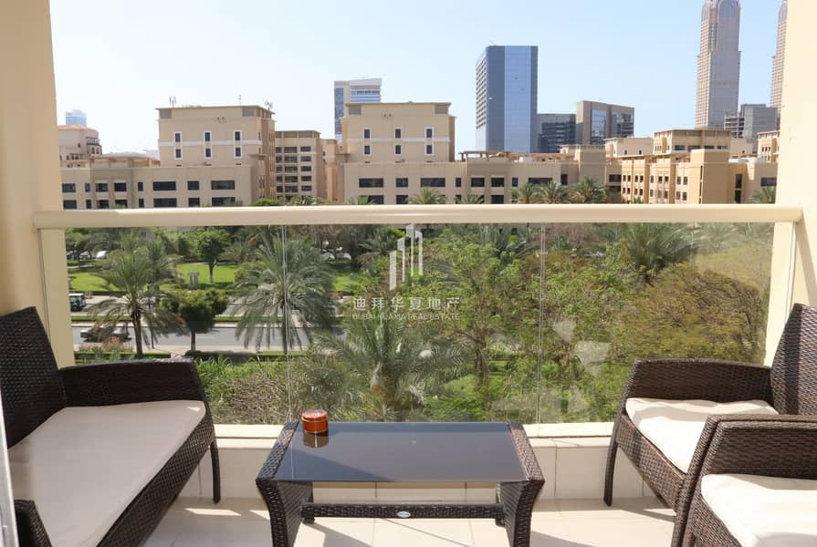 2 Fully Furnished | Vacant 1BR | with Balcony