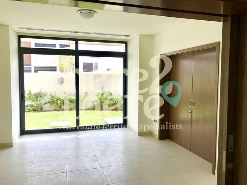 2 Luxurious Brand New 5bedroom Villa In West Yas.