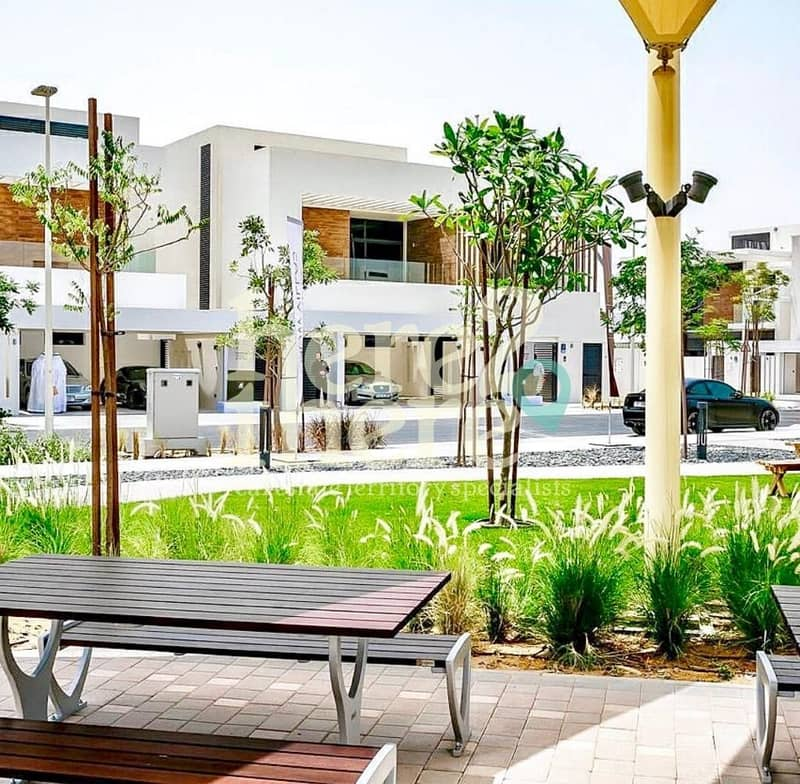 Amazing Offer 5BR Villa Brand New Project