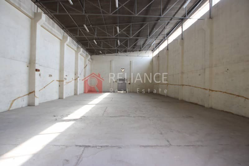 AED 32/SQ FT - TAX INCLUDED - COMMERCIAL WAREHOUSE IN RAS AL KHOR