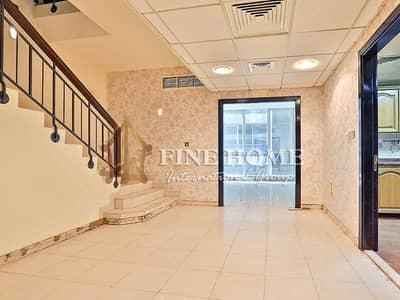شقة 3 غرفة نوم للايجار في شارع النجدة، أبوظبي - Spacious Duplex 3BR Apartment