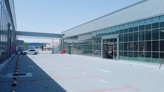 Showroom for Rent in Al Ain Industrial Area, Al Ain - Commercial exhibition on the public road