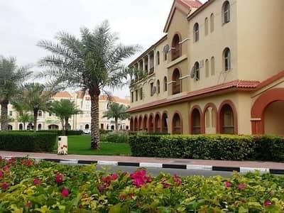 شقة 1 غرفة نوم للايجار في المدينة العالمية، دبي - مجموعة أسبانيا: غرفة بسرير واحد مع شرفة فقط في 34000 بحلول 4 تشي كيو في المدينة العالمية بدبي . .