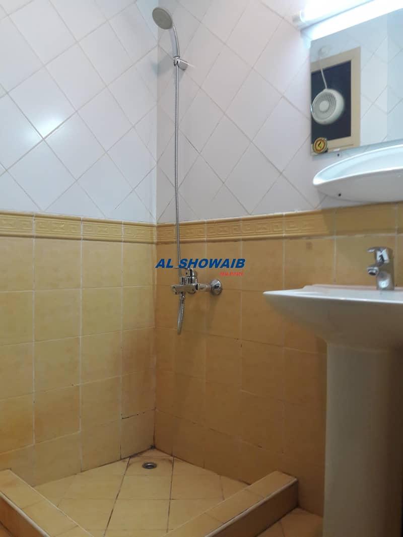 4 **12 cheques  Studio  behind karachi darbar frijmurar Deira