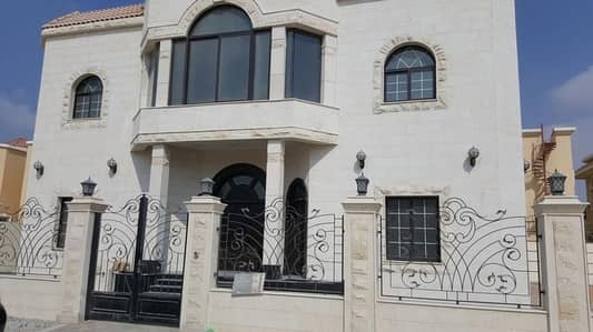 Stunning two-story villa with 5 bedroom for rent in Sharjah