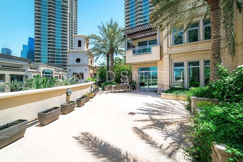 2 Lake and Marina View 4BR Villa in Al Anbar