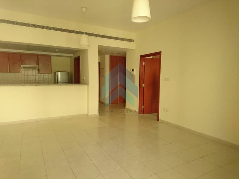 2 Beautiful one Bed Apt | Greens | Al Arta