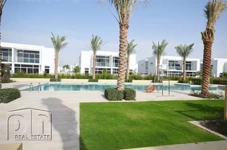 فیلا 5 غرفة نوم للبيع في مدن، دبي - Amazing 5 bed Semi Detached villa In Arabella 2