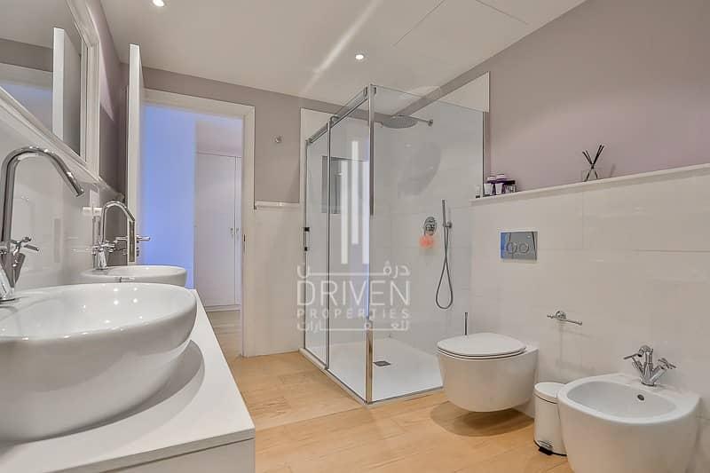 18 Upgraded 4 Bedroom Villa in Dubai Marina