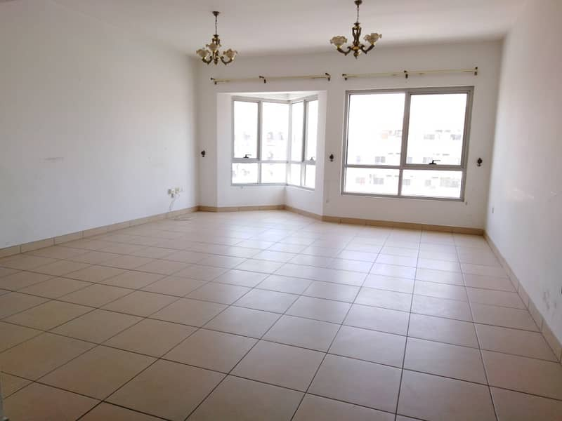 Chiller Free Huge 2Bhk With Wardrobes Open View Rent Only 38,000 Easy Acces To Dubai. . . . . . .