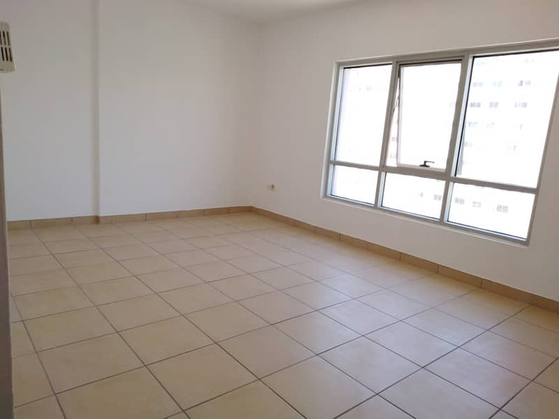 Chiller Free Huge 1bhk 1100 sqft with Fully Open View With Sunlight Easy Acces To Dubai. . . . . . .