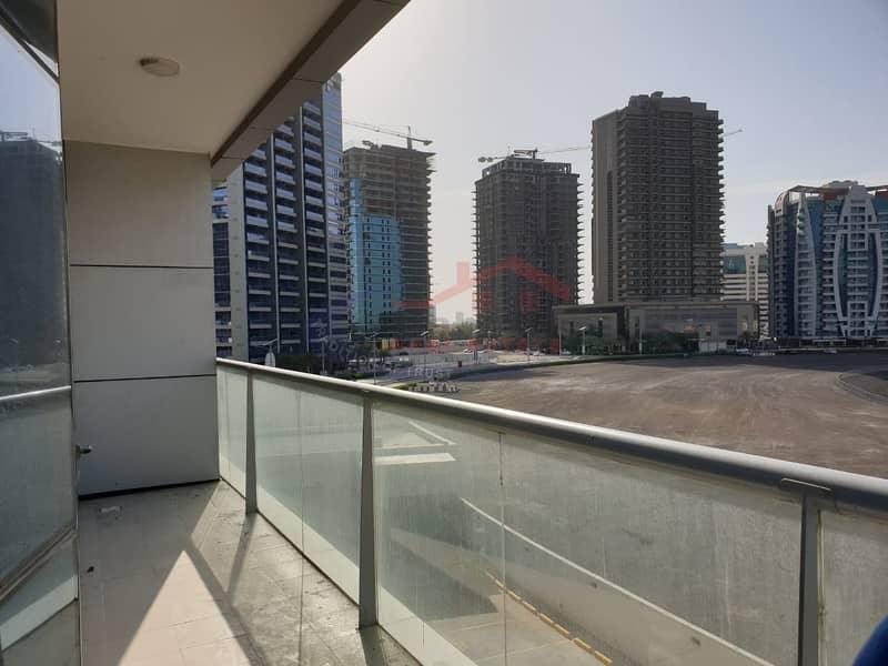 2 Panoramic lake view apt with big balcony