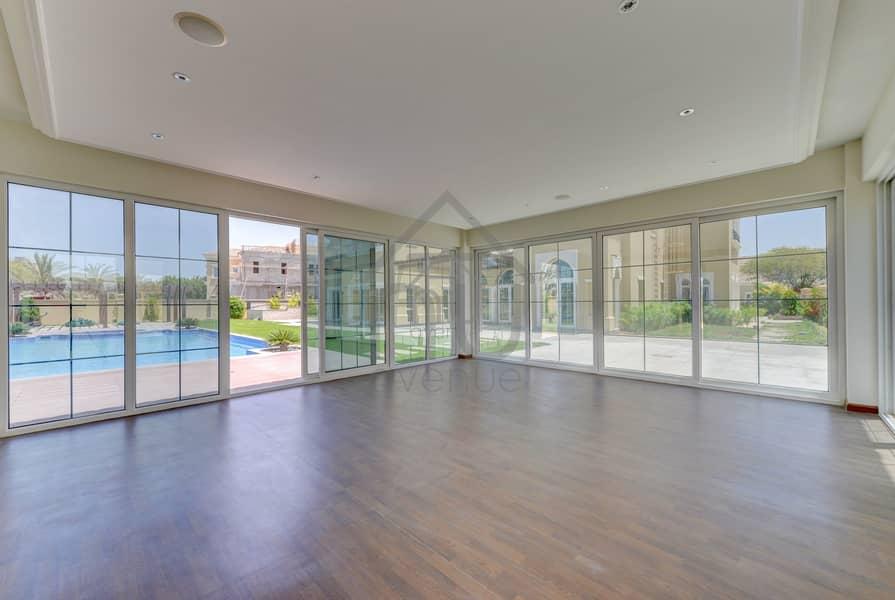 10 Luxurious | Brand New Large Plot | Lift+GYM+Sauna
