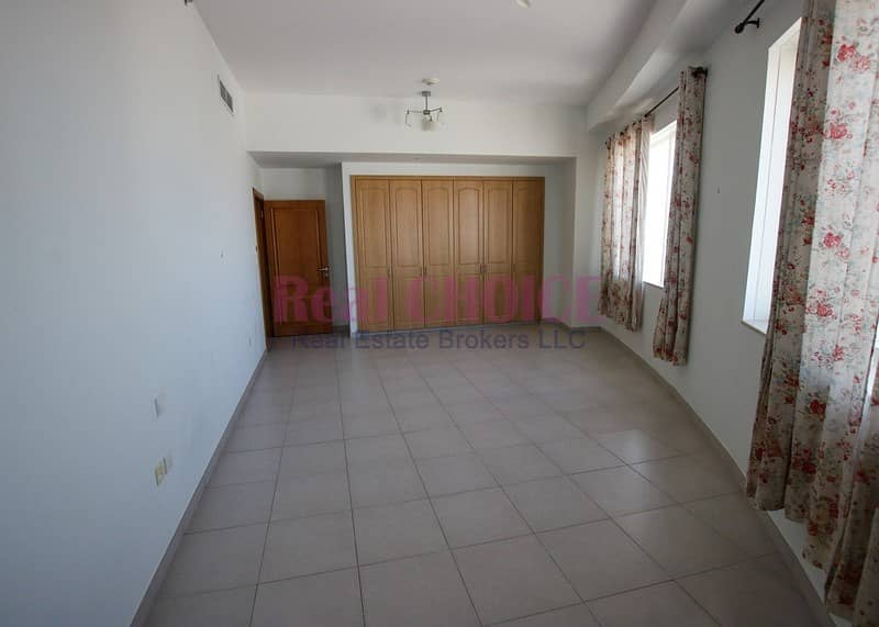 2 Payable in 4 Cheques|Near Metro Station|Huge 3BR